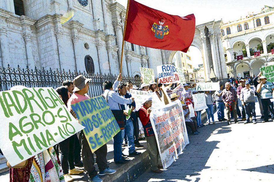 Movilización Social y Sociedad organizada por Carlos Alberto Aguilar Meza